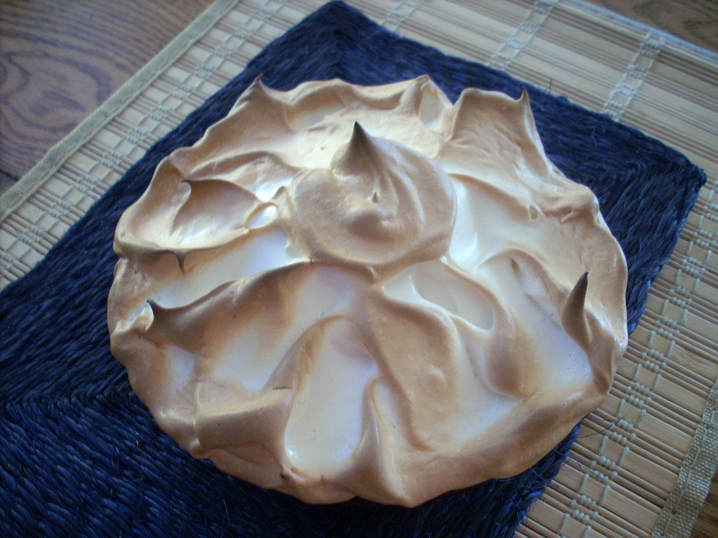 Meringue Cookies: vanilla, chocolate, or almond crispy clouds | Ozark ...